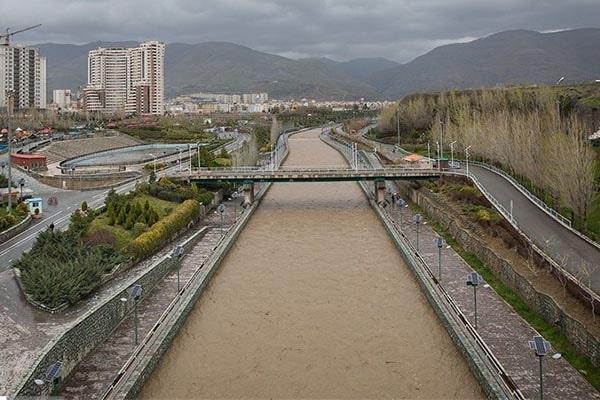 بتن ریزی رودخانه کن